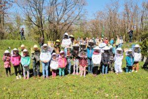 Warsztaty pszczelarskie przy ulach